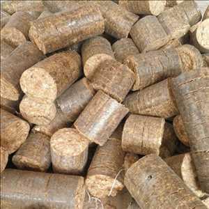 Combustible de briquetas de biomasa